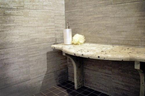 Hot custom bathroom trends for 2016 for Current bathroom tile trends 2016